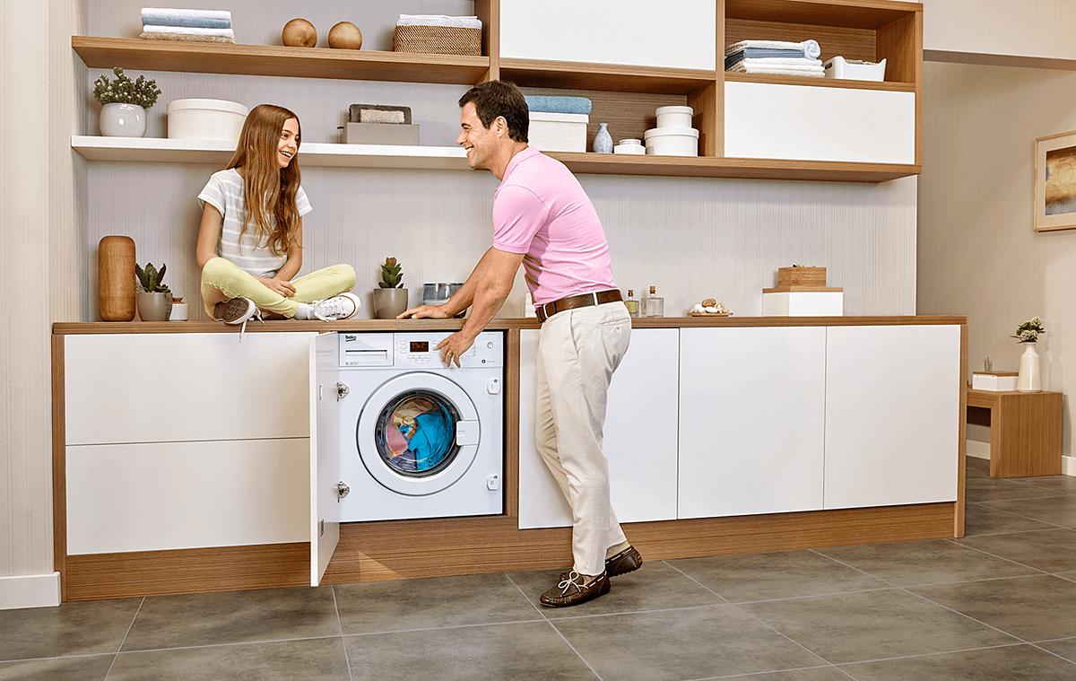 Abiti senza peli con la nuova funzione di lavaggio di Beko Lavatrici thumbnail