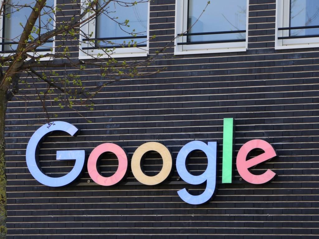 Google in Francia dovrà pagare gli editori. thumbnail