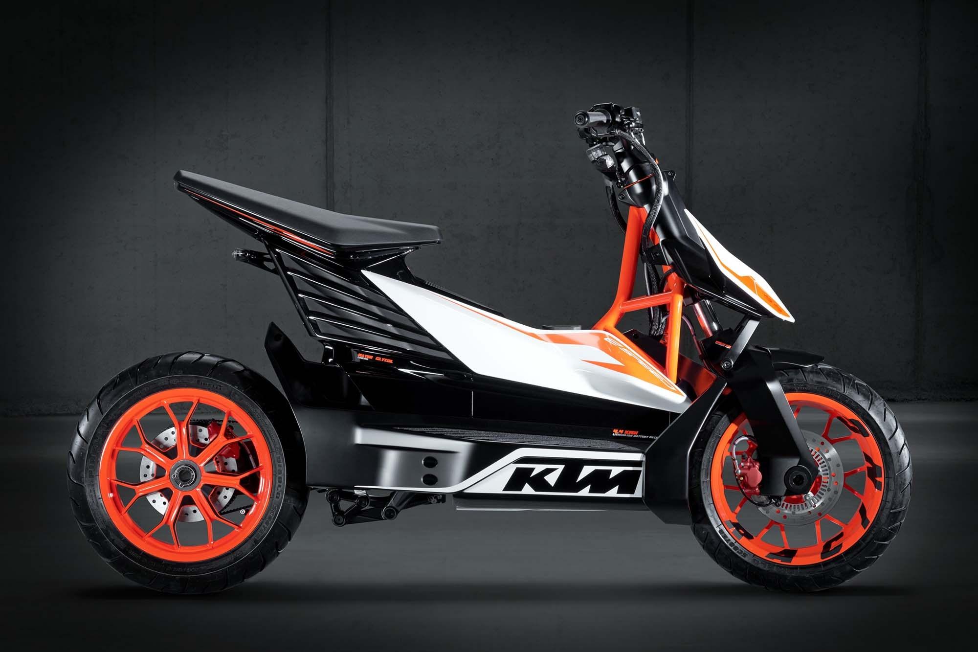 Lo scooter elettrico KTM dovrebbe arrivare entro il 2022 thumbnail