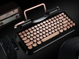 La tastiera vintage perfetta esiste e si chiama Rymek Retro Tastiera meccanica vecchio stile, il sogno di ogni amante delle vecchie macchine da scrivere.