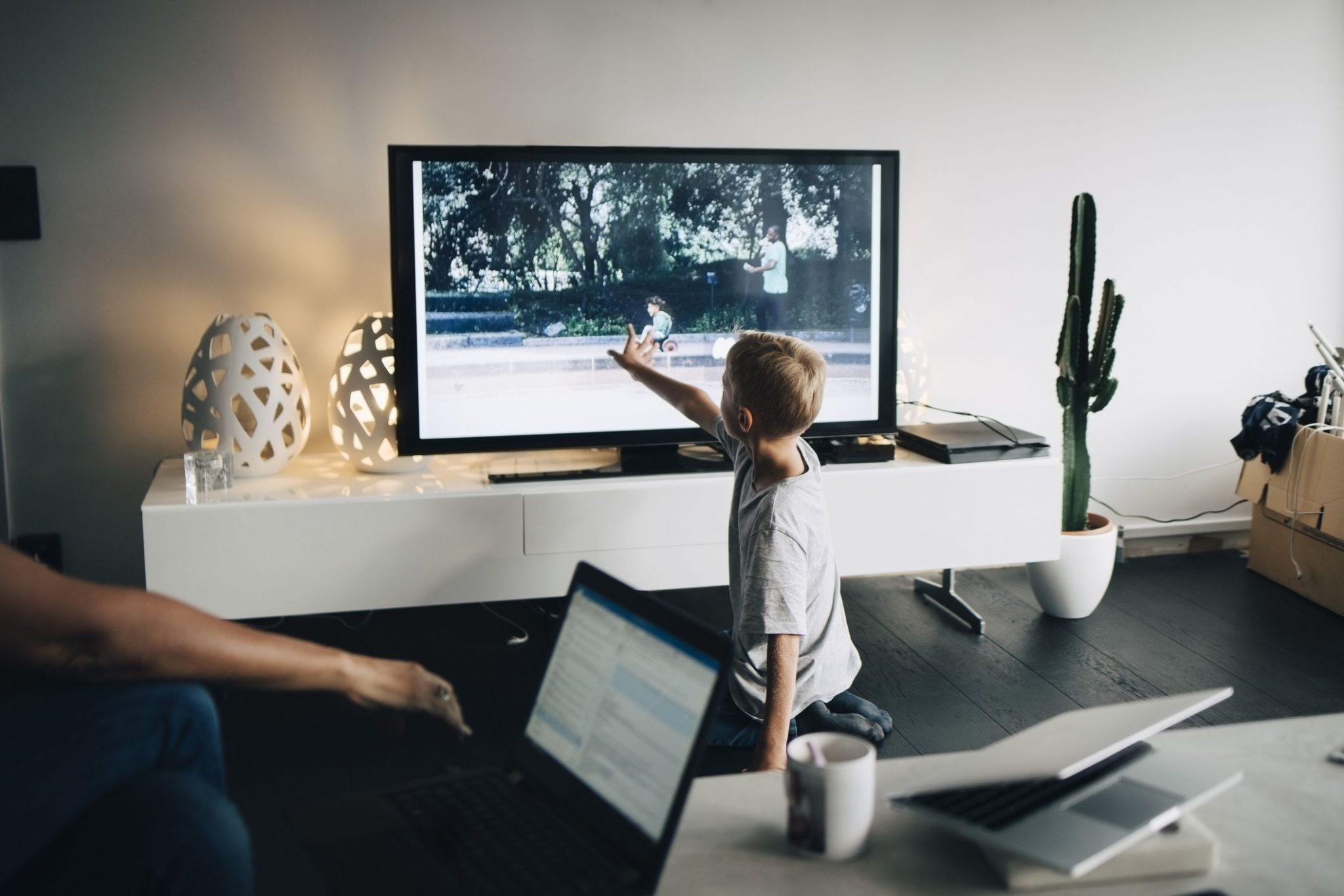 Samsung Remote Access: gioco, lavoro e apprendimento con la smart TV thumbnail