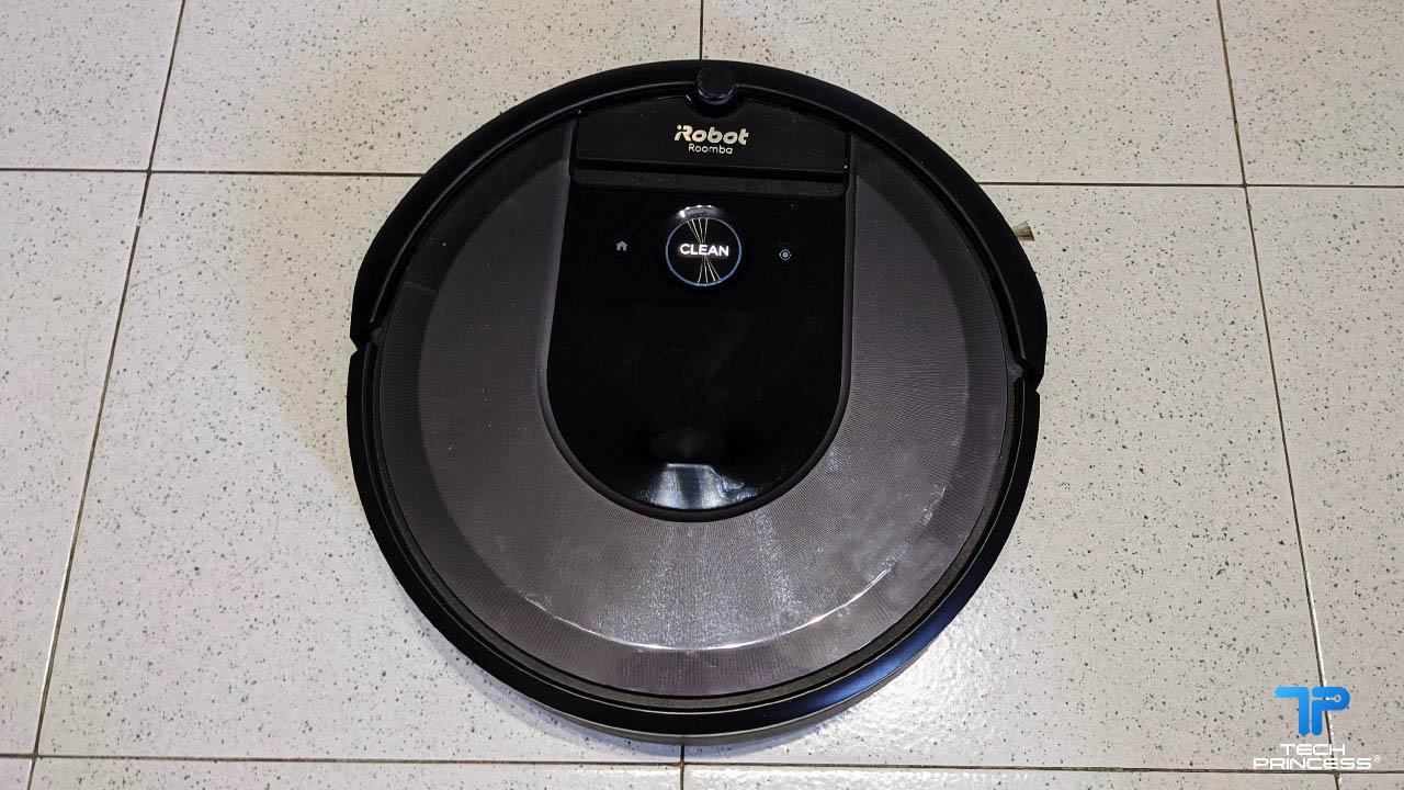 iRobot Roomba i7+recensione: il robot aspirapolvere che si svuota da solo thumbnail