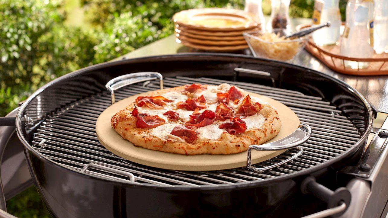 Ora si può cucinare una pizza anche con il barbecue thumbnail