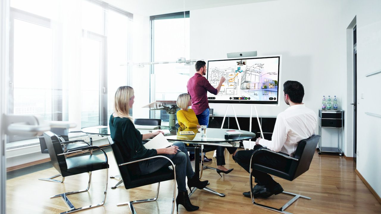 Gestire lo smart working di gruppo con una lavagna digitale thumbnail
