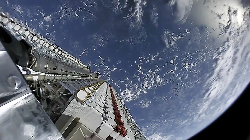 SpaceX dà il via ai pre-ordini di Starlink thumbnail