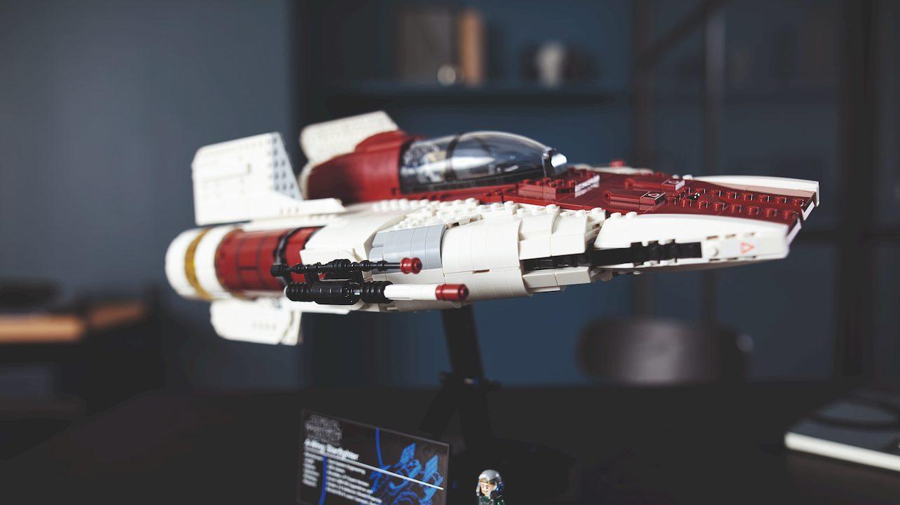L'Impero non avrà scampo con la tua nuova astronave LEGO thumbnail