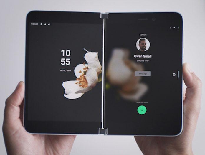 Surface Duo potrebbe arrivare a fine agosto con AT&T thumbnail