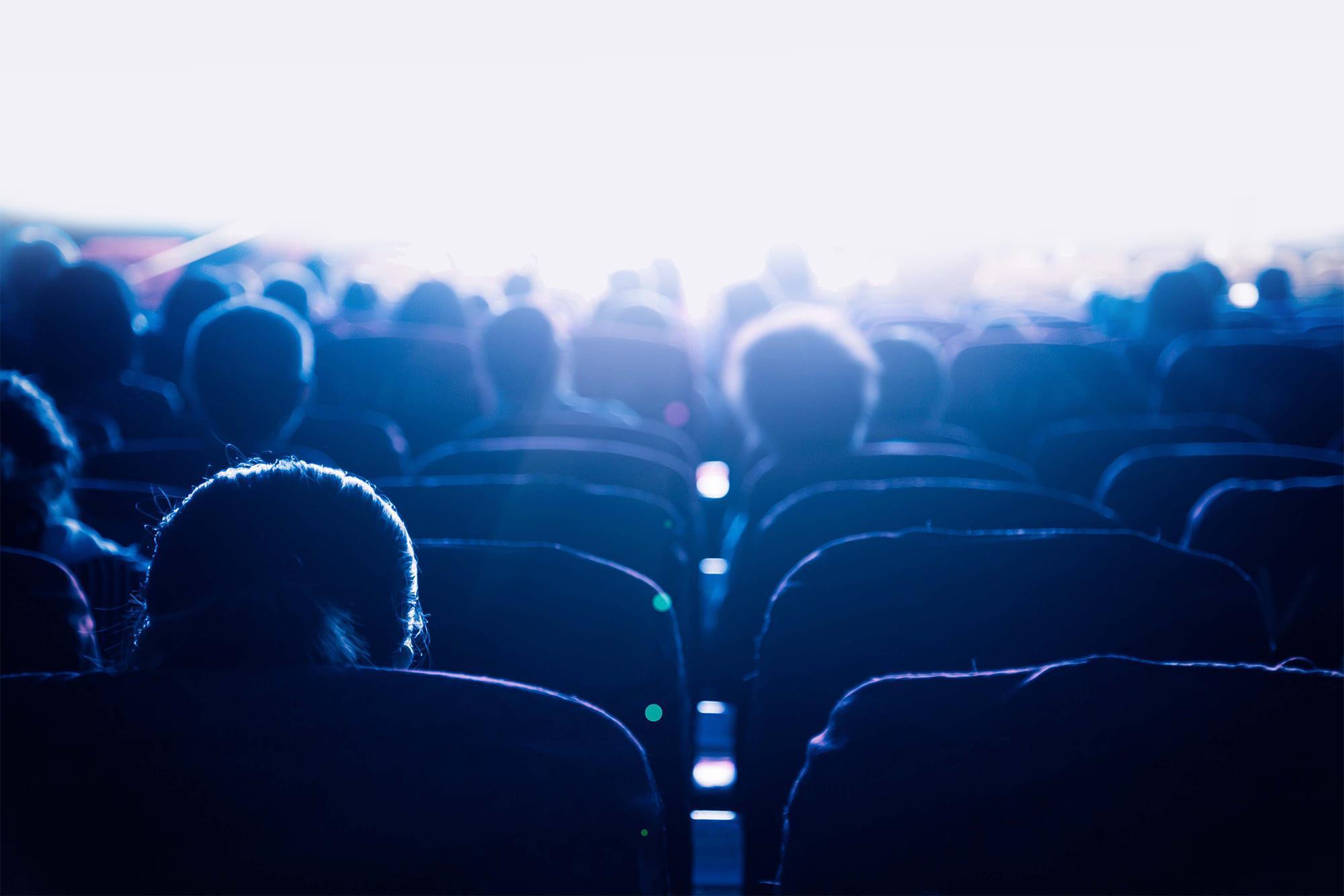 guardare film a distanza