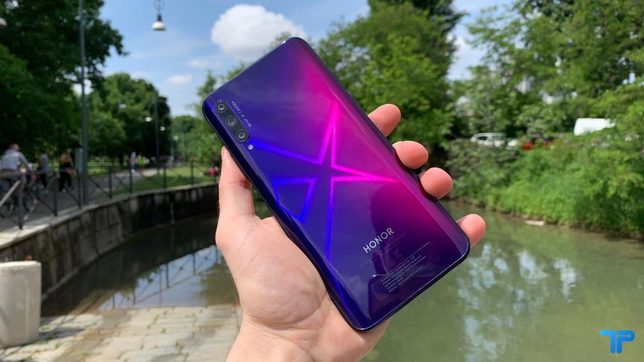 Huawei valuta la vendita di Honor: i motivi della possibile decisione