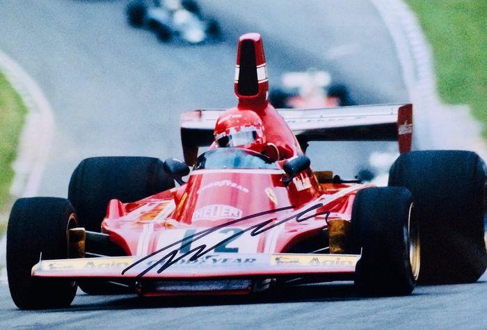 Catawiki, cimeli all'asta per festeggiare 70 anni di Formula 1 thumbnail