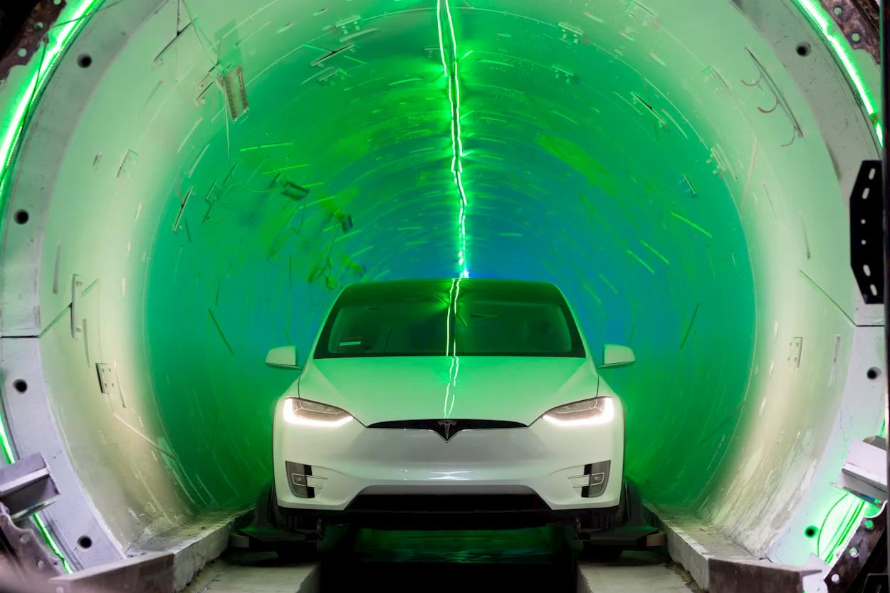 La compagnia di Elon Musk ha terminato i tunnel sotterranei di Las Vegas thumbnail