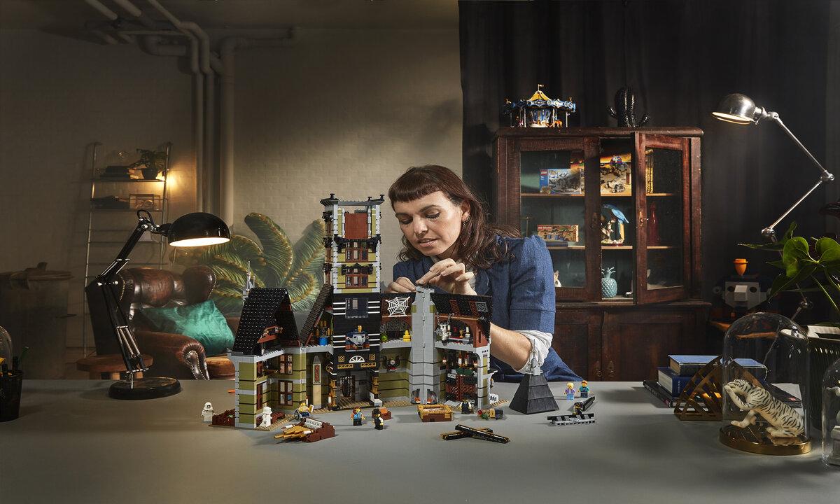 Il nuovo set LEGO è disponibile: diamo il benvenuto a La casa Stregata thumbnail