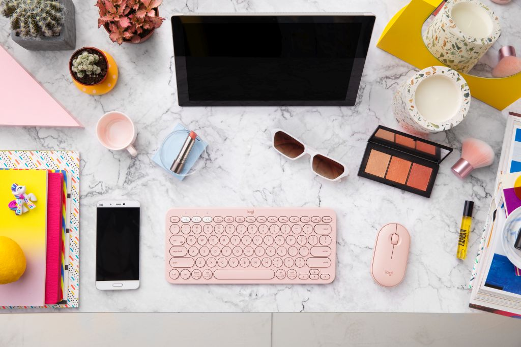 Il mouse Logitech Pebble M350 ora disponibile in rosa e bianco thumbnail