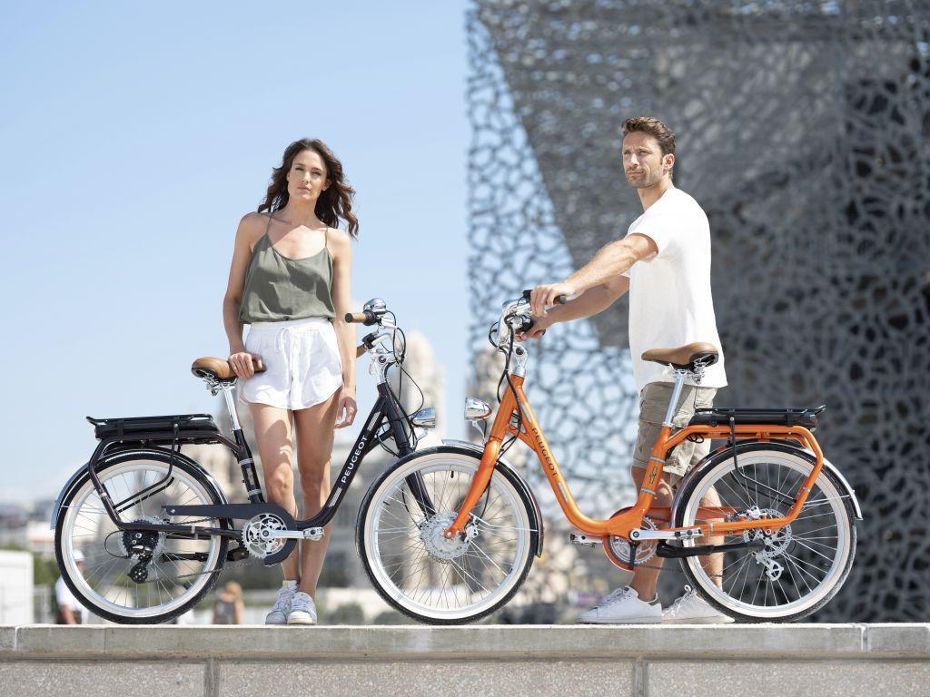 """Bici elettrica Peugeot eLC01, ecco la versione con ruote da 26"""" thumbnail"""