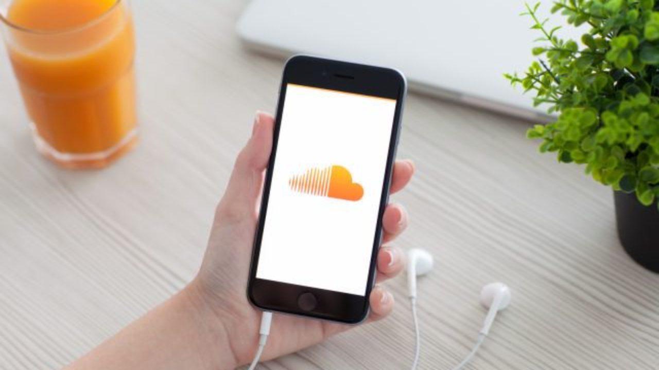 Musica live su SoundCloud e Twitch thumbnail