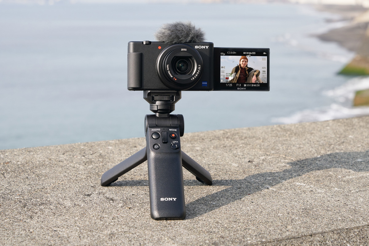 Sony ZV-1: presentata ufficialmente la vlog camera thumbnail