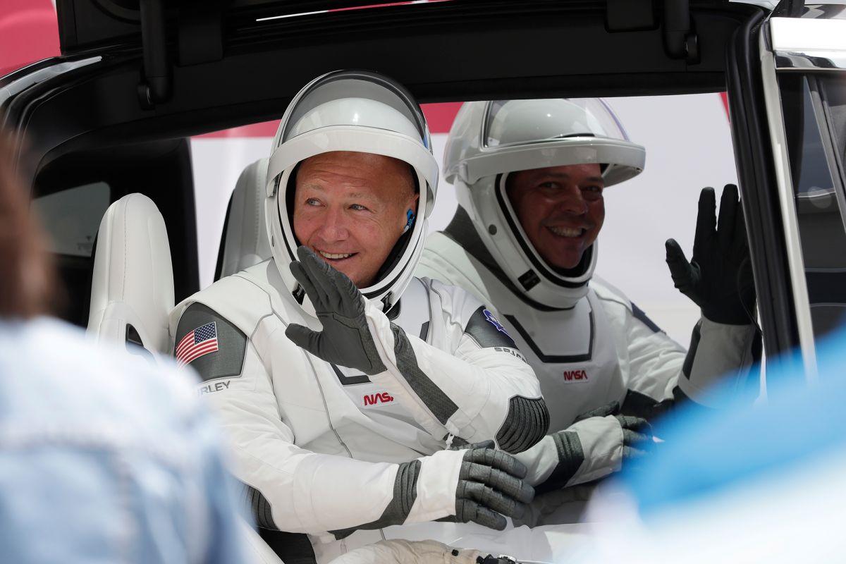 lancio SpaceX crew dragon astronauti