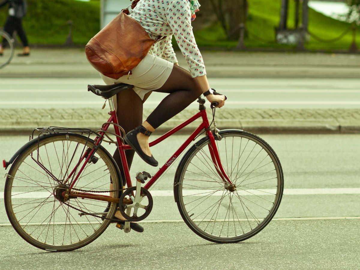 usa le due ruote ciclista