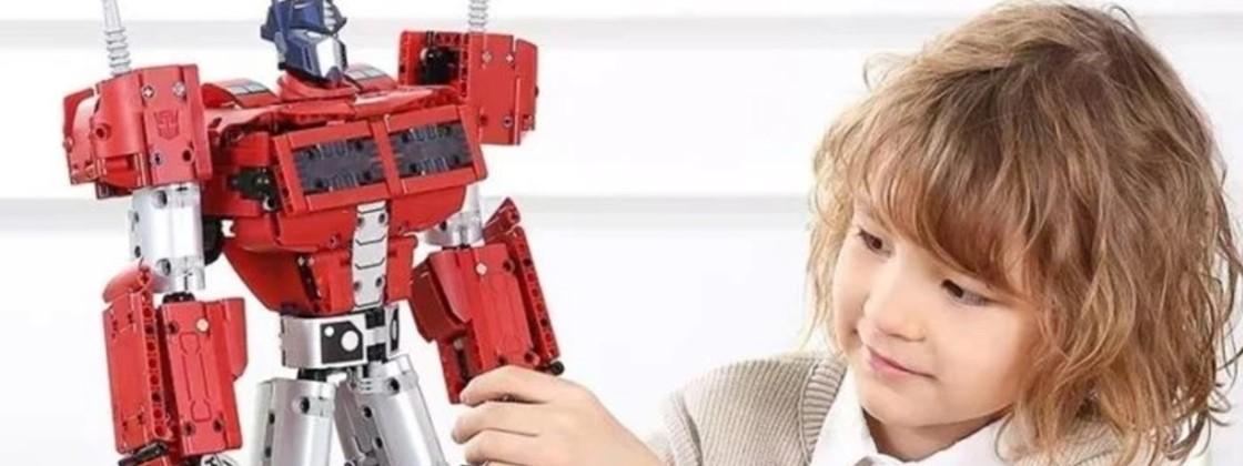 Xiaomi lancia un Transformer in stile LEGO: ecco Optimus Prime thumbnail