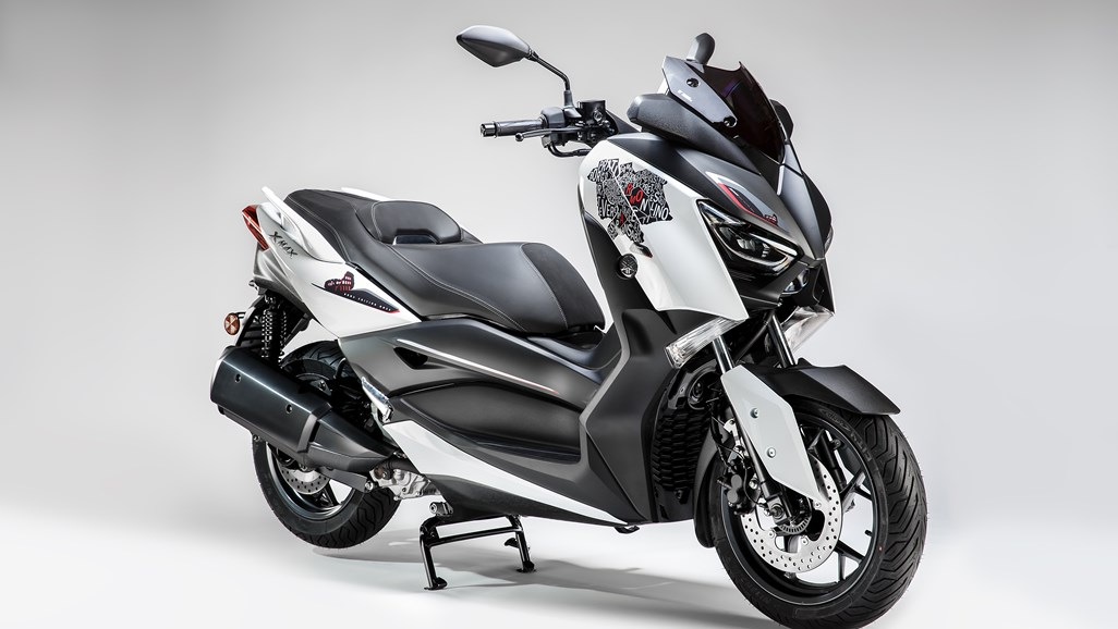 XMAX 300 ROMA EDITION MMXX, il nuovo scooter Yamaha dedicato alla città eterna thumbnail