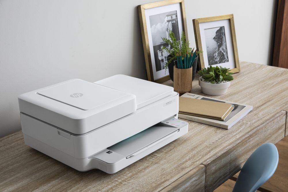 """HP, in arrivo nuove le stampanti """"casalinghe"""" per chi studia e lavora thumbnail"""