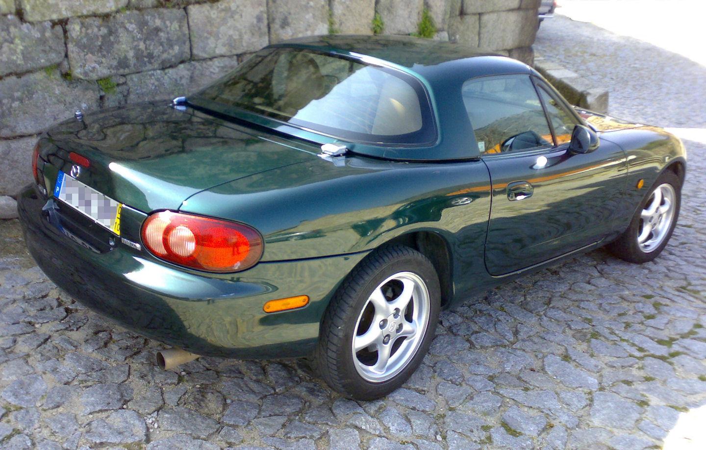 Auto cabrio Mazda MX-5 NB posteriore
