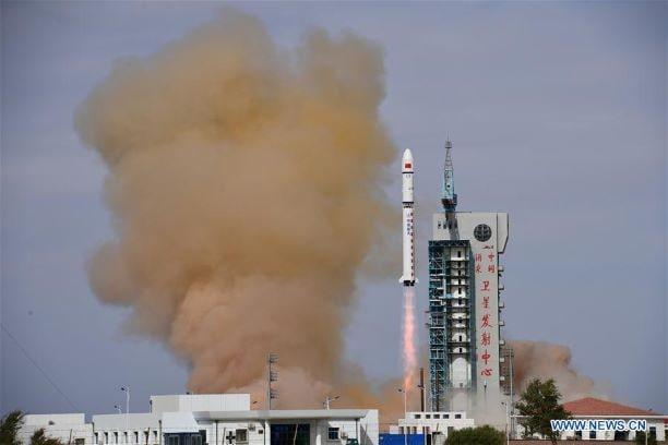 Cina razzi 4 satelliti in orbita