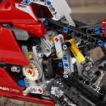 Ducati-Panigale-LEGO-Tech-Princess