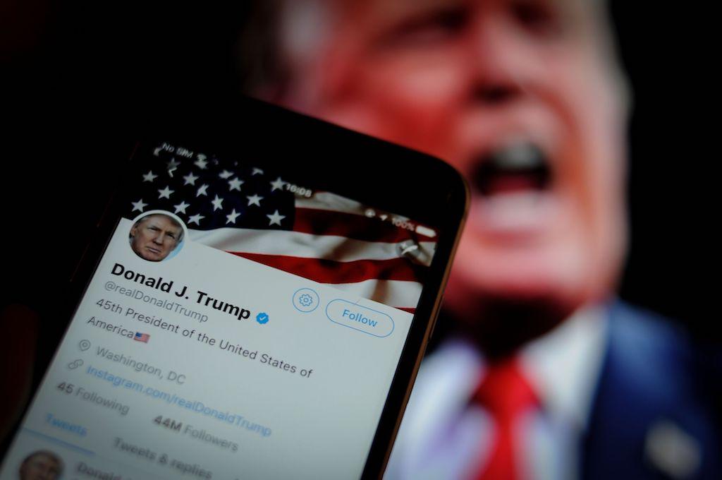 Twitter, Facebook e Instagram rimuovono un video di Donald Trump thumbnail