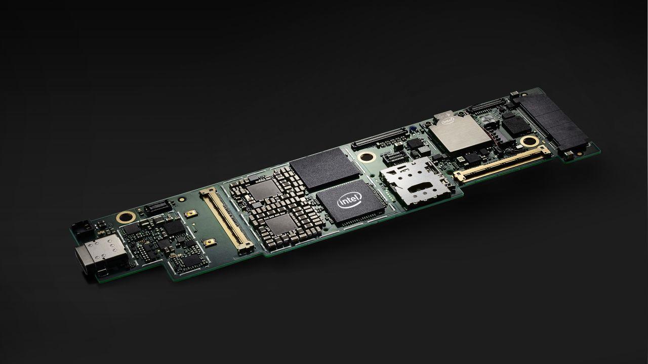 I processori ibridi Intel Core Lakefield sono in arrivo thumbnail
