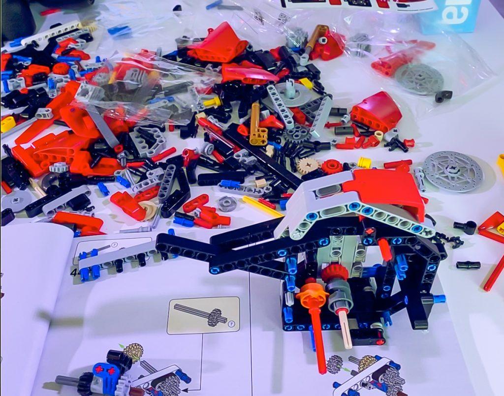 Lego Ducati Panigale V4R Montaggio