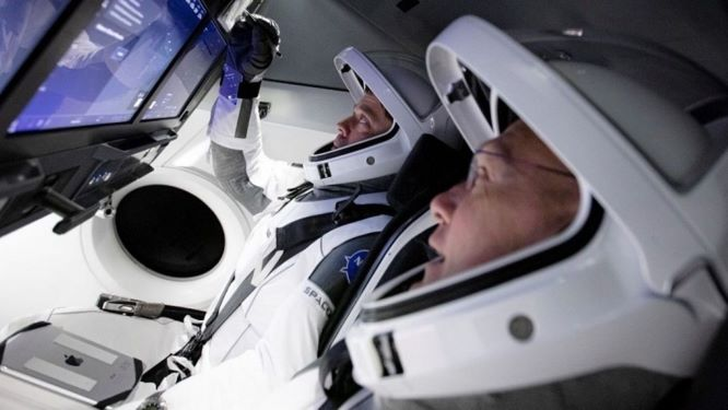 Missioni spaziali spaceX crew dragon