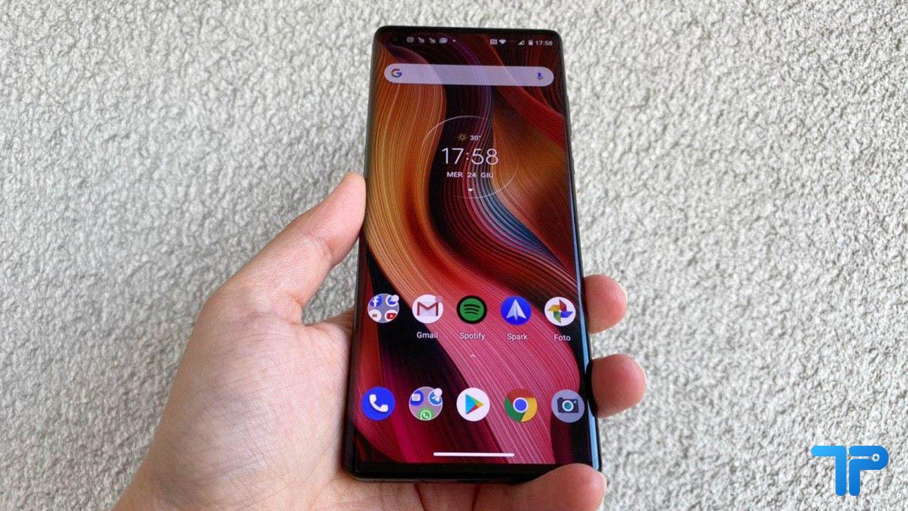 Recensione Motorola Edge+ e confronto con Motorola Edge thumbnail
