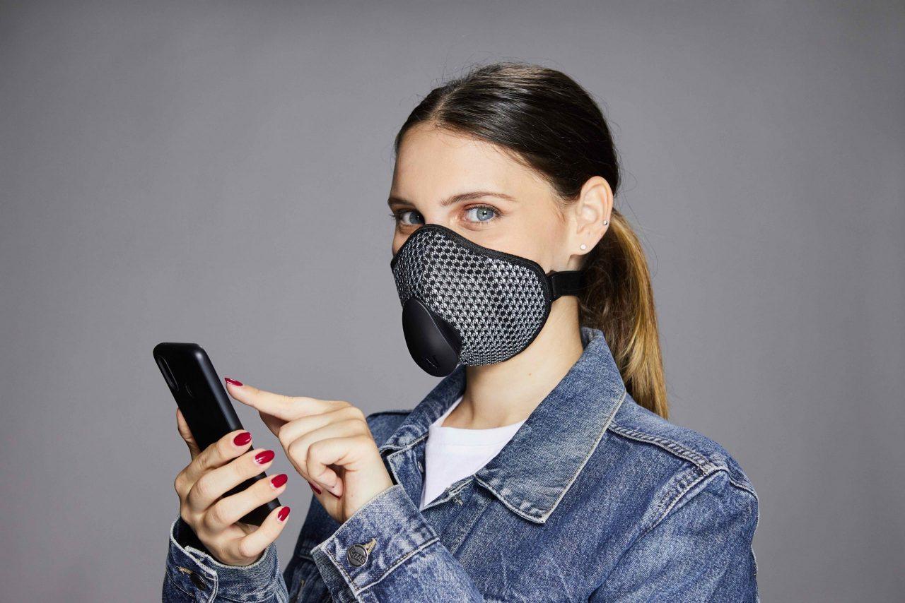 Narvalo Urban Mask, la mascherina connessa al tuo smartphone thumbnail