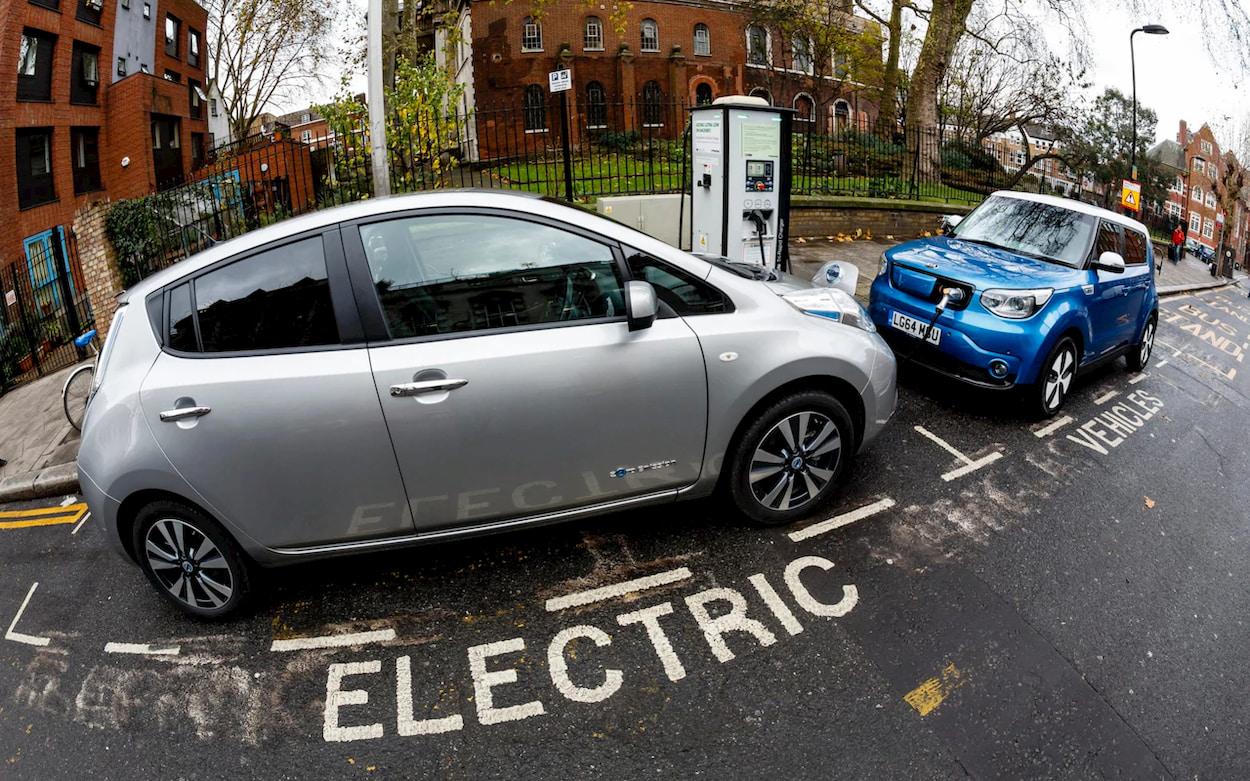 Il Regno Unito incentiverà il passaggio alle auto elettriche thumbnail