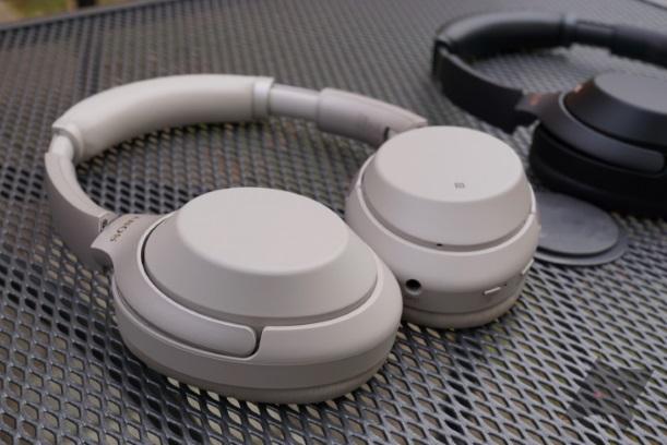 Sony WH-1000XM4 migliori prodotti tech 2020