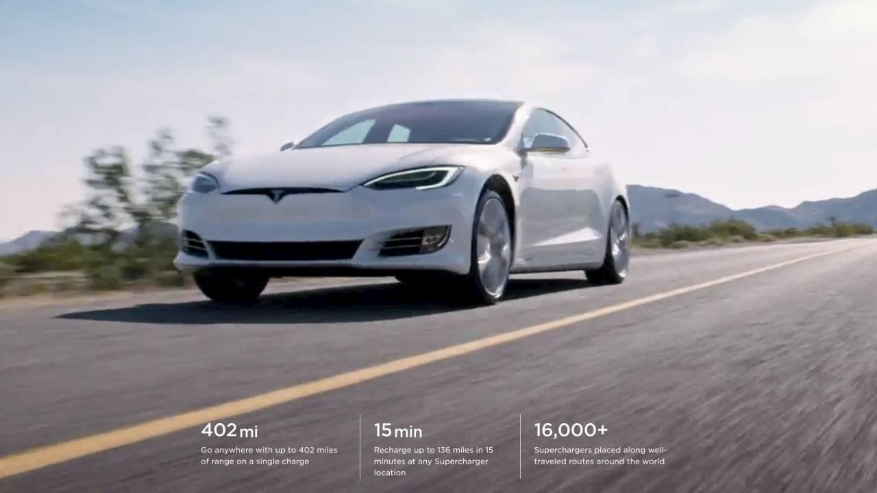 Tesla Model S supera la barriera delle 400 miglia thumbnail