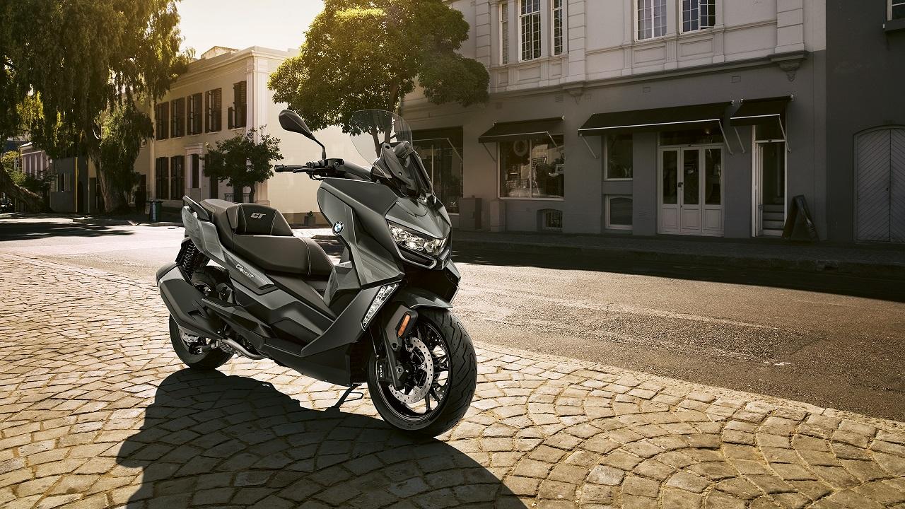 BMW ITALIA: edizione online per scooter C400 X e C400 GT thumbnail