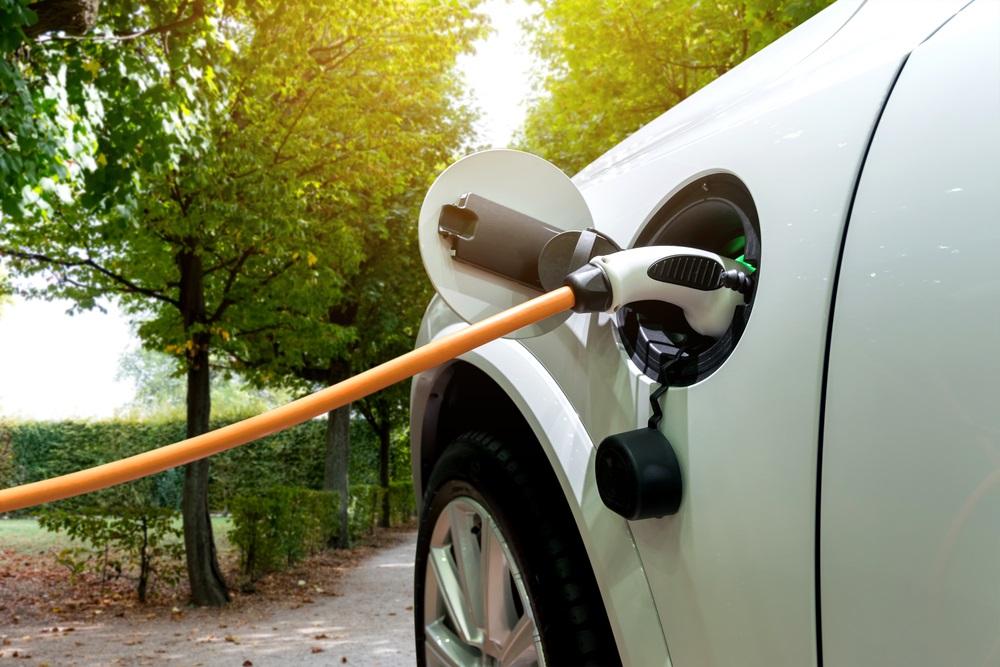 caricamento auto elettrica