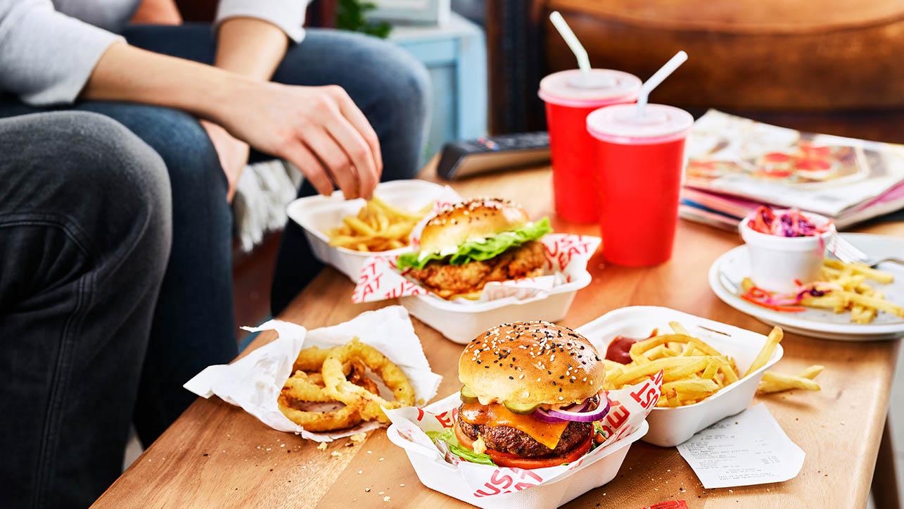 Il cibo a domicilio si ordina in digitale thumbnail