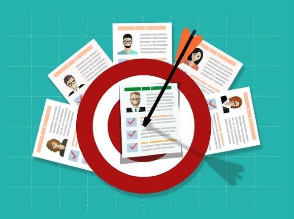 Tecnologia per trovare lavoro: come preparare un curriculum grafico accattivante thumbnail