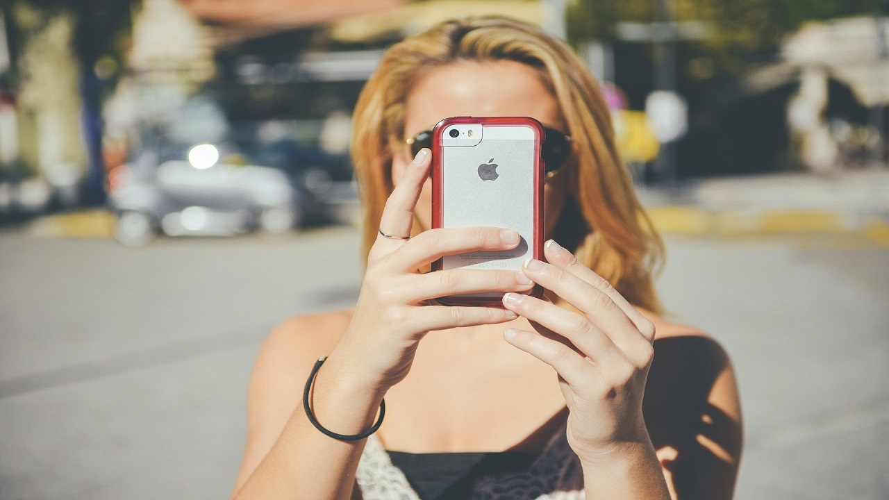 iPhone toglie il caricabatterie dalle nuove confezioni thumbnail