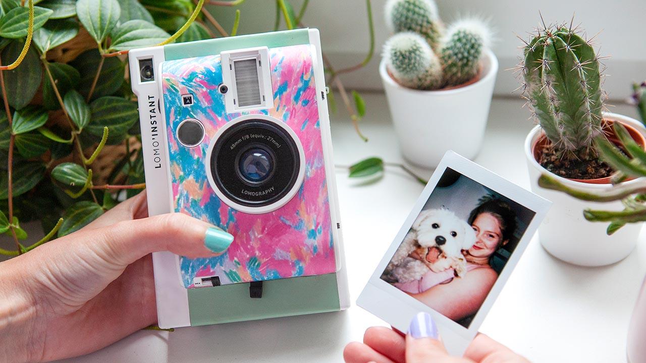 La nuova macchina fotografica istantanea in edizione limitata thumbnail
