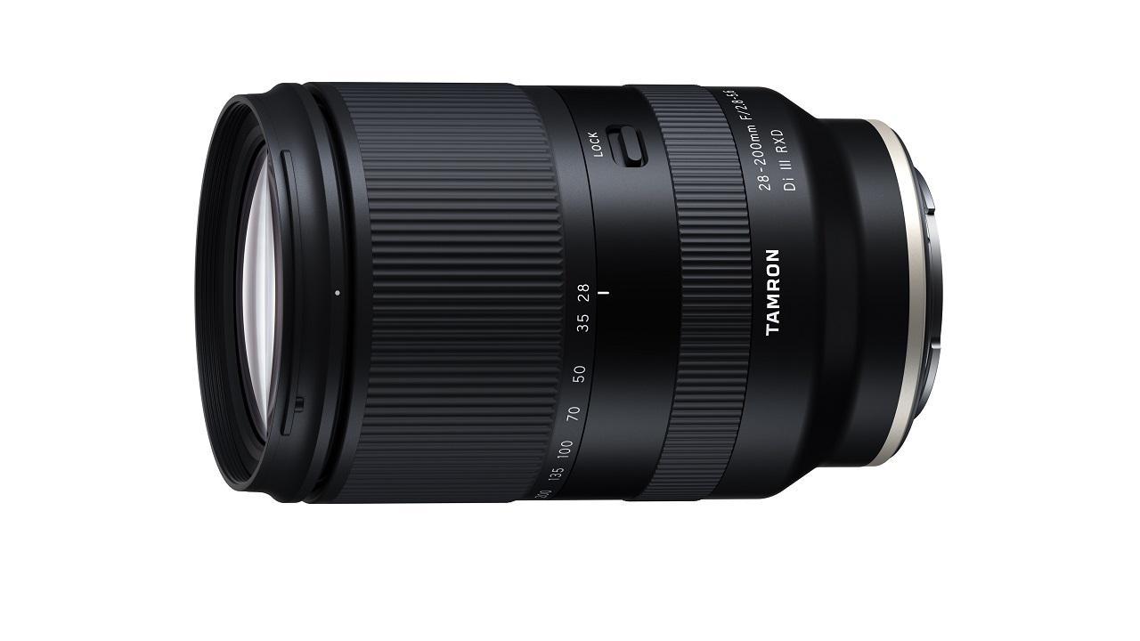 Ecco il nuovo obiettivo zoom all-in-one per Sony E-Mount di Tamron thumbnail