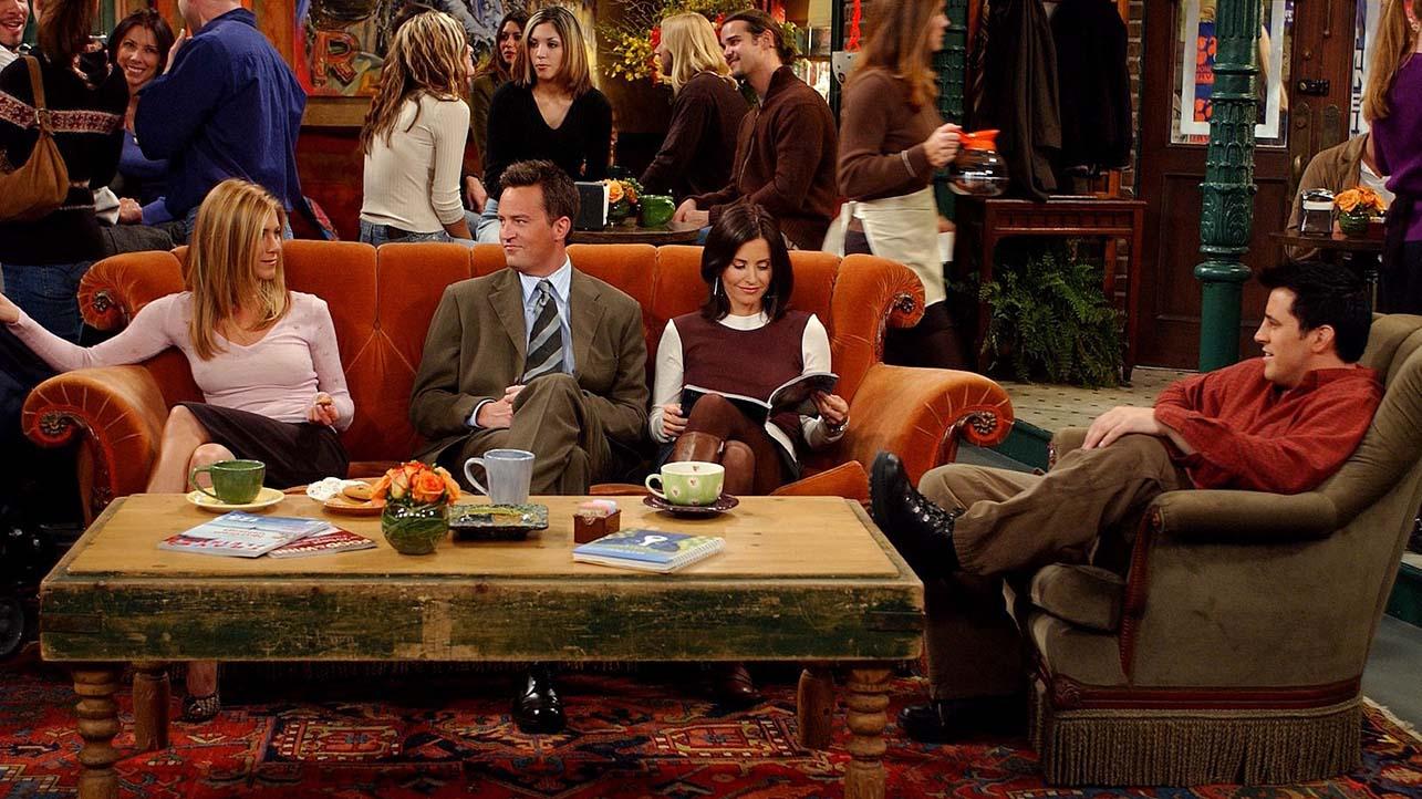 Seduto comodo, come in una serie TV thumbnail