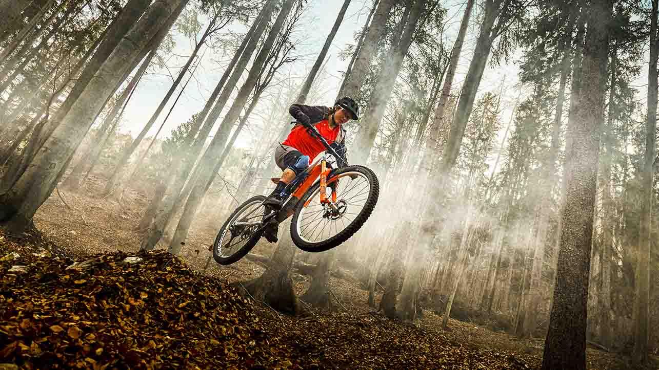 Più sicuri in bici, in strada e in montagna thumbnail