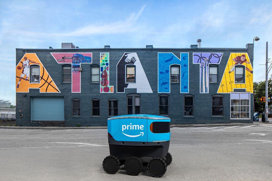 Amazon espande il servizio di robot di consegna Scout in nuovi Paesi thumbnail