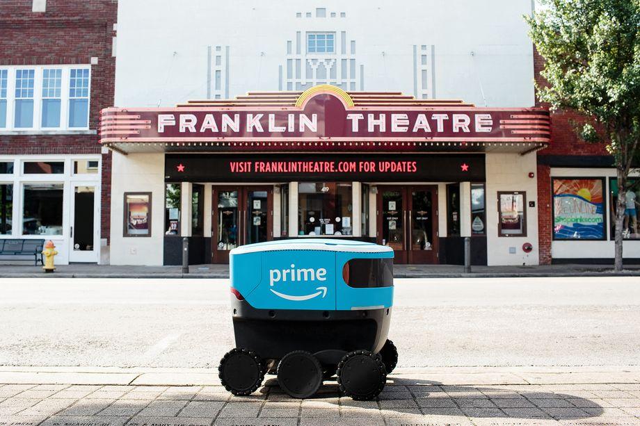 Amazon Scout robot