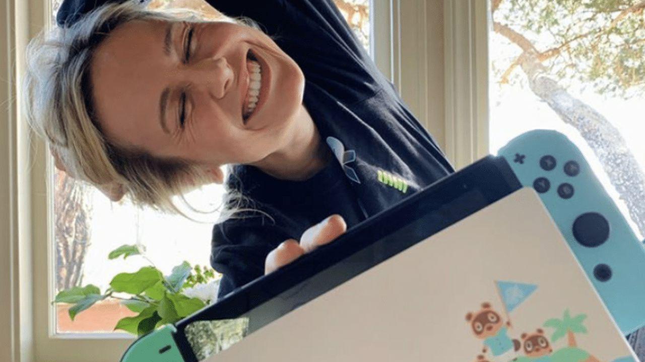 Brie Larson partecipa al talk show di Animal Crossing thumbnail