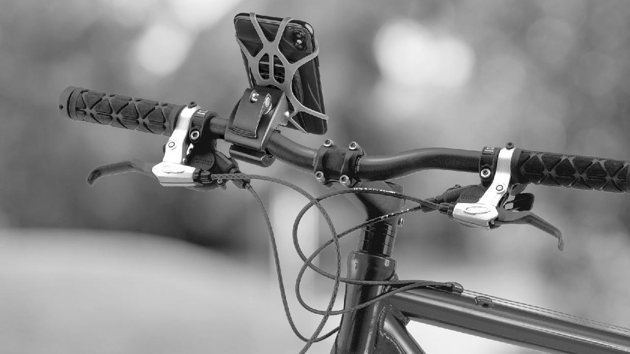 Celly presenta i nuovi supporti per smartphone per bici e monopattini thumbnail